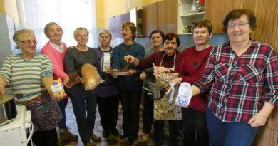So seniormi pracujú inovatívnym spôsobom formou kreatívnej tvorby a regionálnej gastronómie